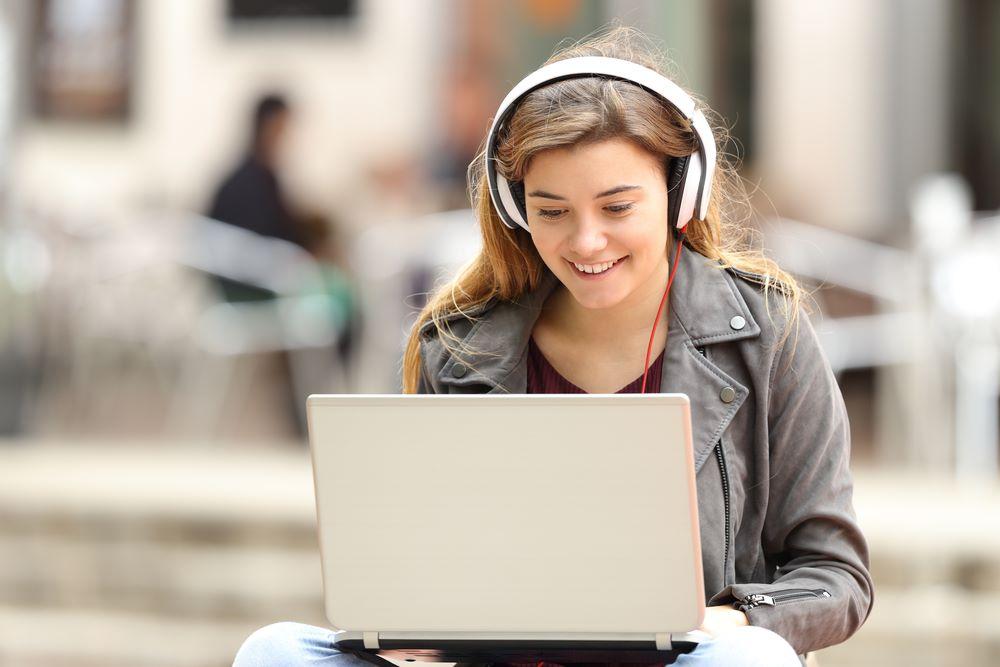 müzik dileyerek para kazanma, şarkı dinleyerek para kazanma